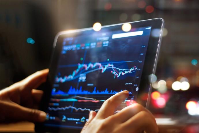 Aktivita na globálním trhu s primárními úpisy akcií zaznamenala ve třetím čtvrtletí výrazné oživení a atakovala historické rekordy