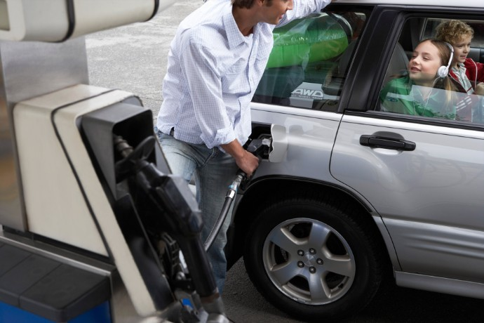 EY Automotive index: Emise i spotřeba aut na papíře rostou