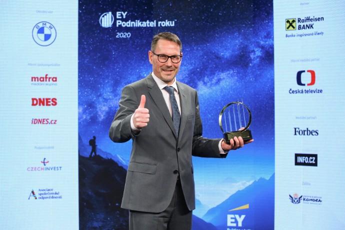 Jaroslav Follprecht a Roman Žák se stali vítězi a držiteli titulu EY Podnikatel roku 2020 Plzeňského kraje