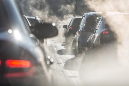 Automobilkám hrozí, že nesplní emisní limity. I to je dopad covidu-19