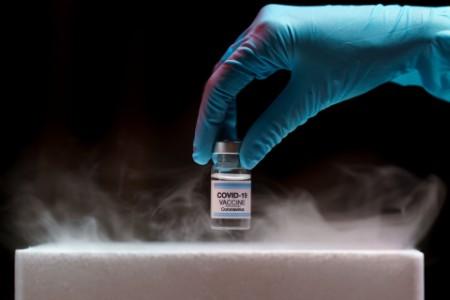 Prominutí DPH u testů a vakcín proti COVID-19 - GFŘ zpřesňuje výklad