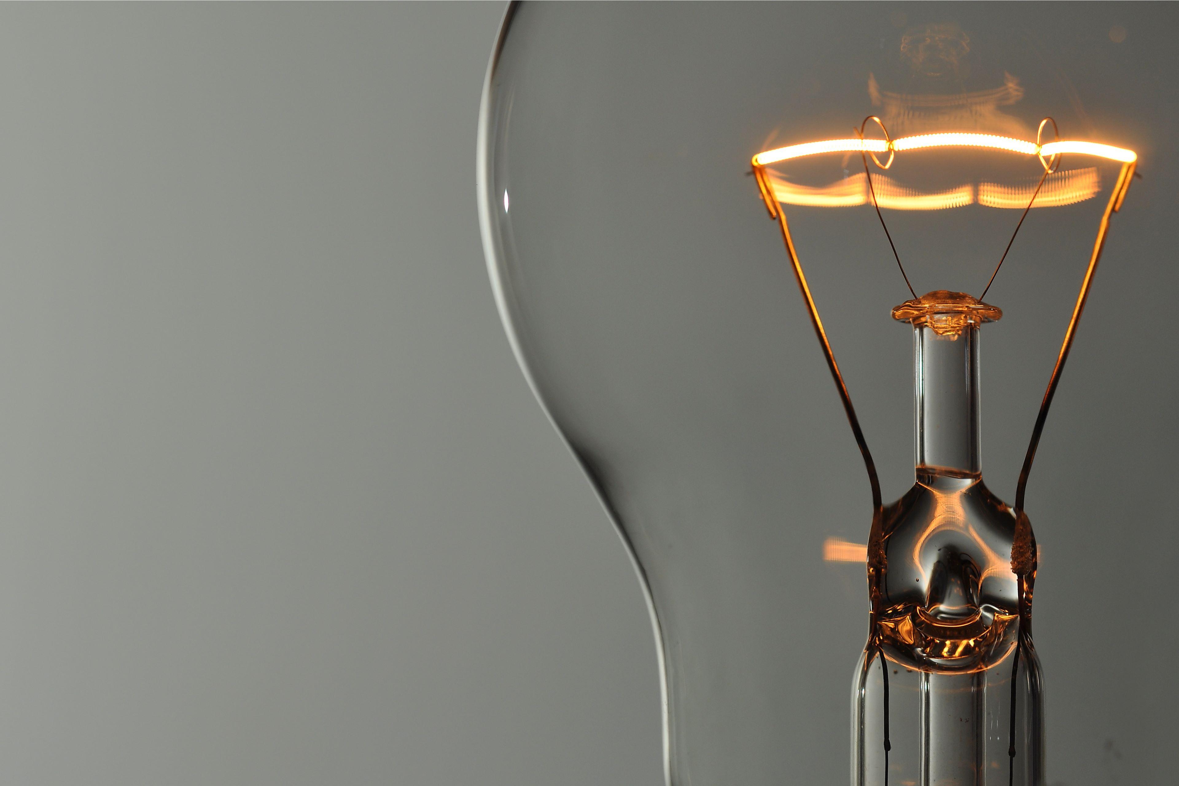 Odcházející ministryně financí promíjí DPH na energie (elektřina, plyn)