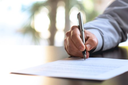 Regeringen foreslår justering og supplering af corona-initiativerne på skatteområdet