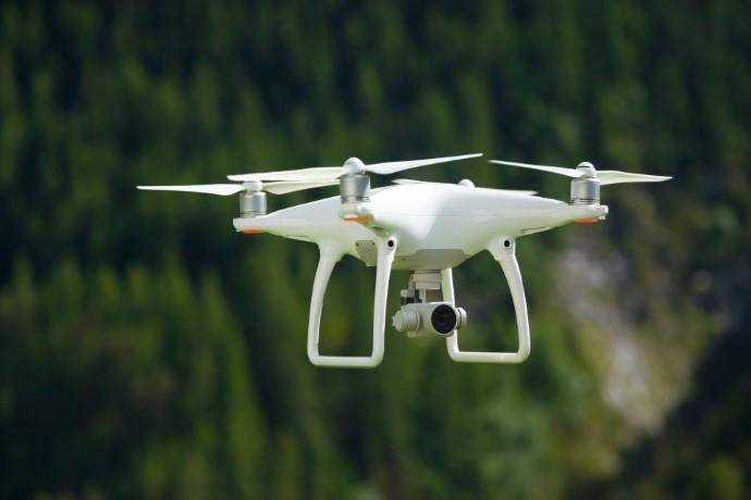 EY vereinbart Partnerschaft mit robo4you: Drohneneinsatz in der Jahresabschlussprüfung