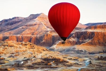 Heißluftballon in der Luft