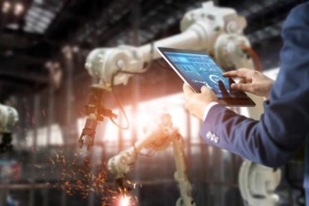 Die Maschine übernimmt die Arbeit vom Menschen