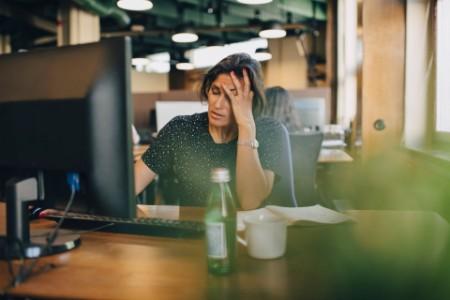 Verzweifelte Büro Angestellte