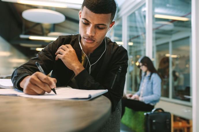 Mehr als ein Viertel der Studierenden ändert wegen Corona Pläne für den Berufseinstieg