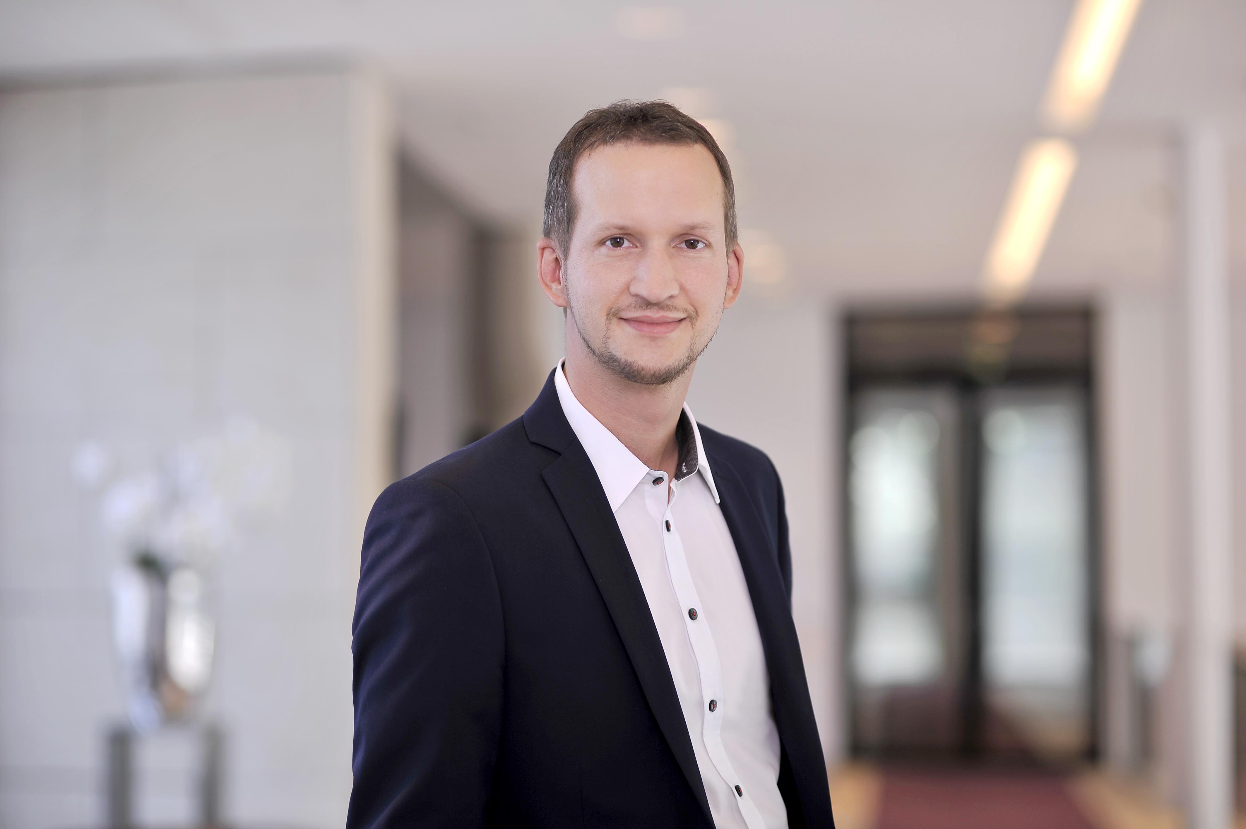 Porträtfoto von Bastian Bender