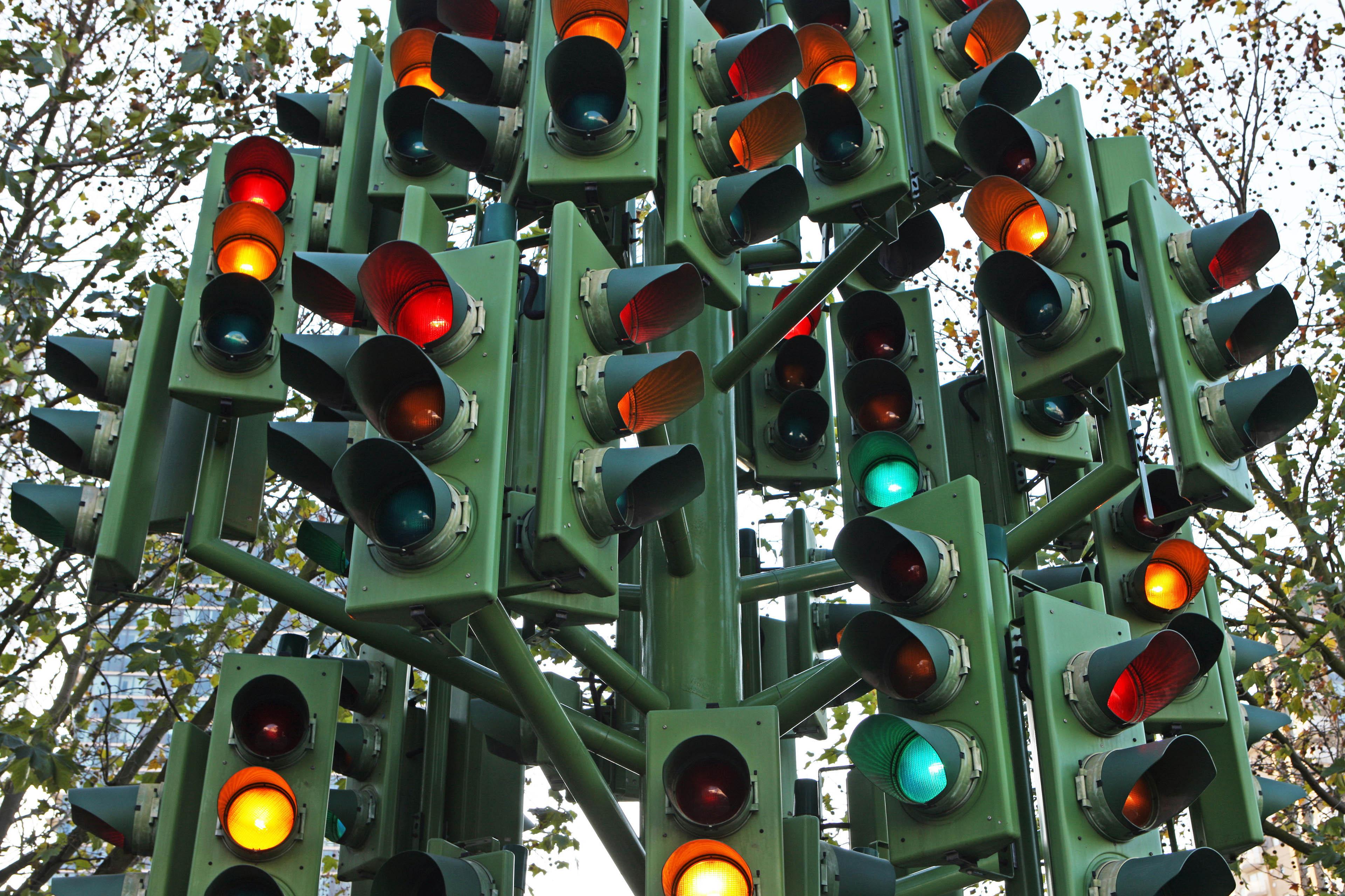 confusing traffic lights