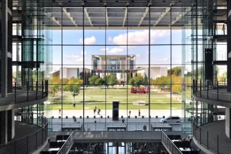 Blick auf das Bundeskanzleramt in Berlin