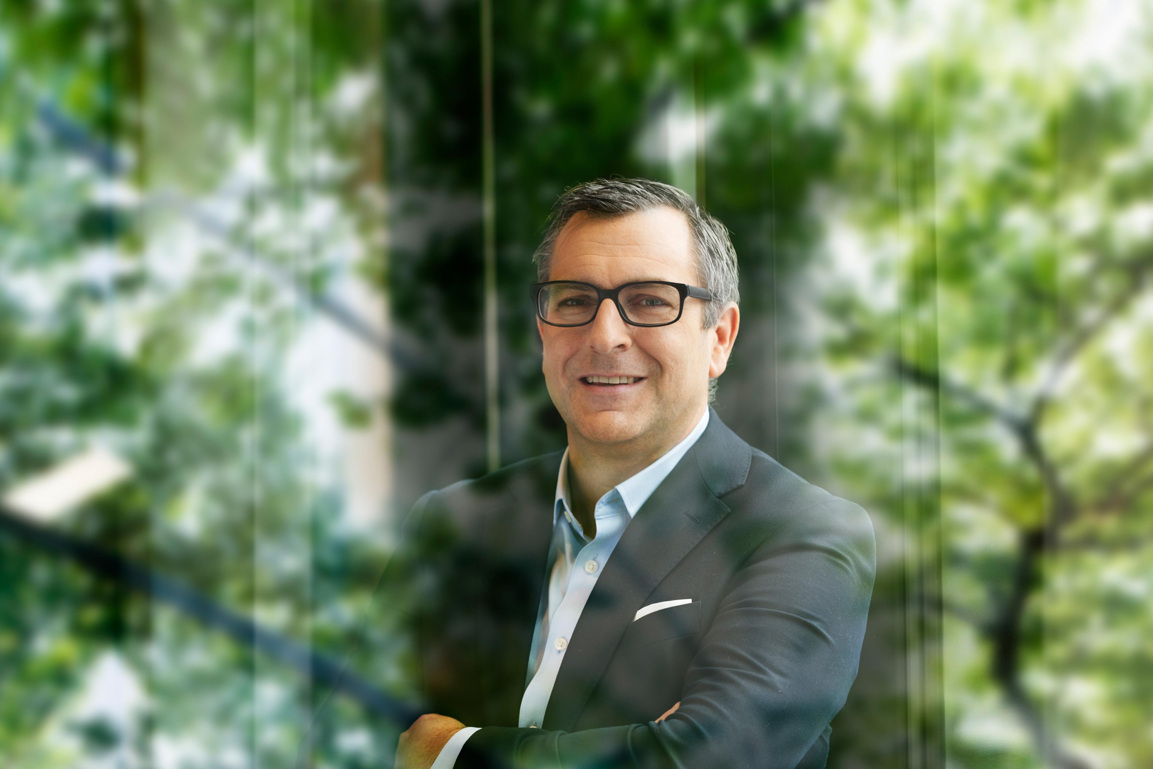 EYCarbon portrait of Florian Huber
