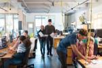 Junge Geschäftsleute im Open space office