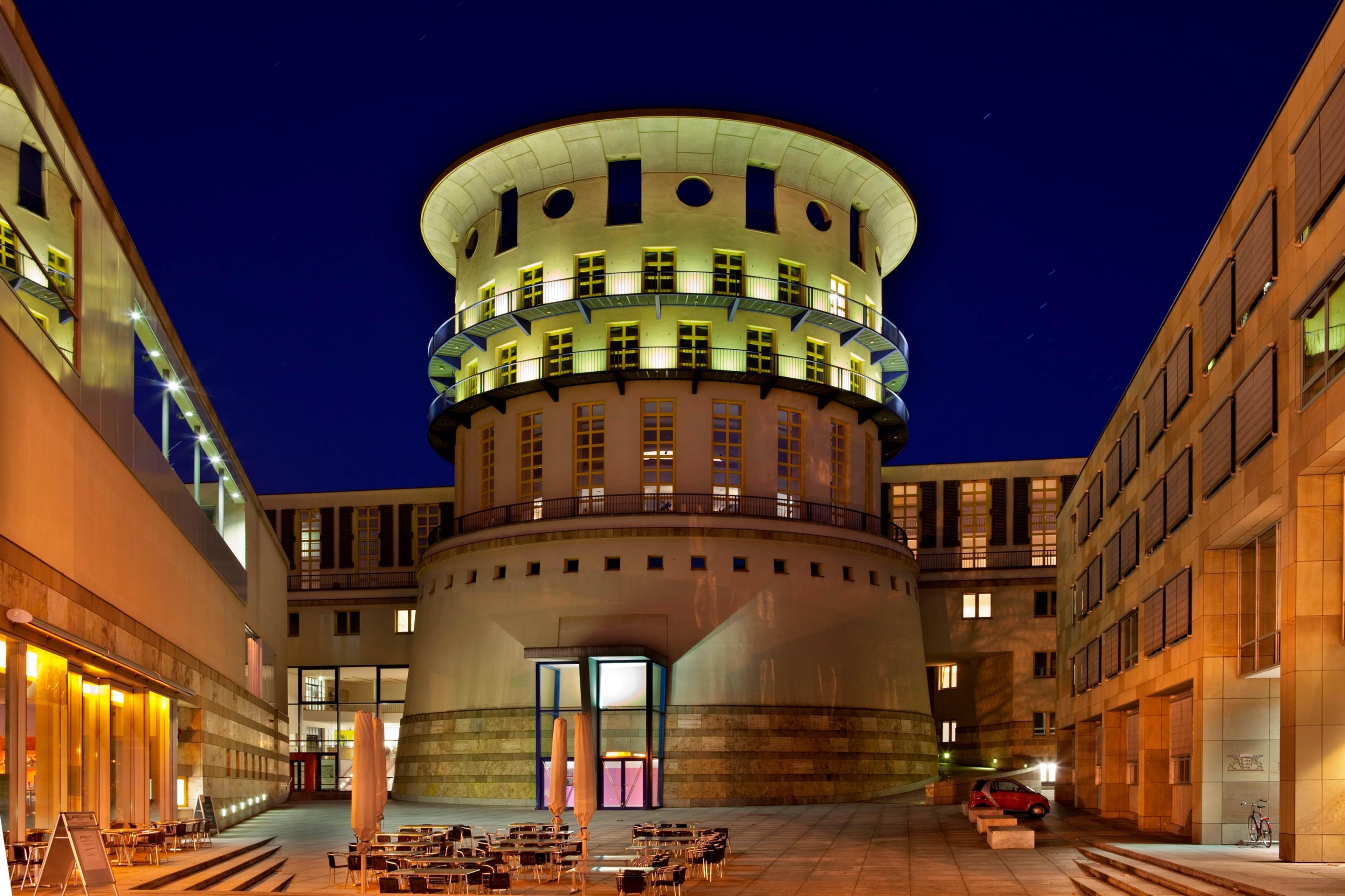 Außenansicht HMDK Stuttgart