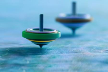 Drehende Spielzeugkreisel