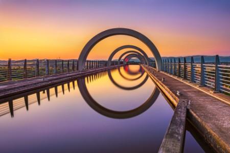 La roue de Falkirk au coucher du soleil