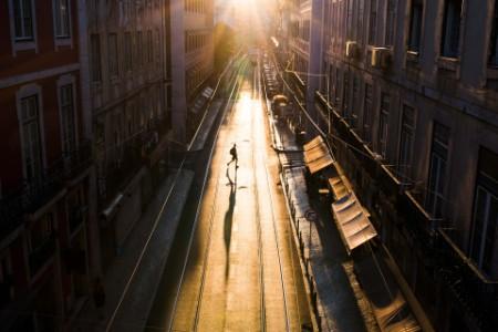 ey-empty-street