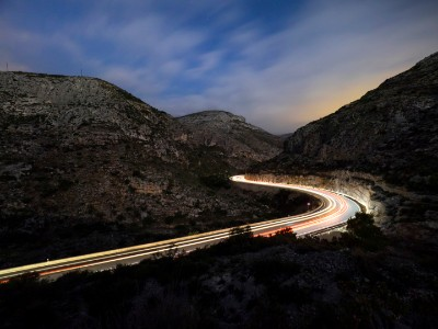 EY ‑ Traînées de lumière de véhicules
