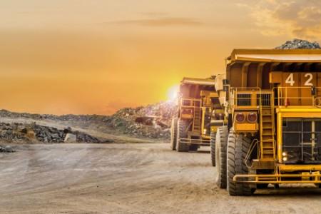 EY - Oversized mining dump truck