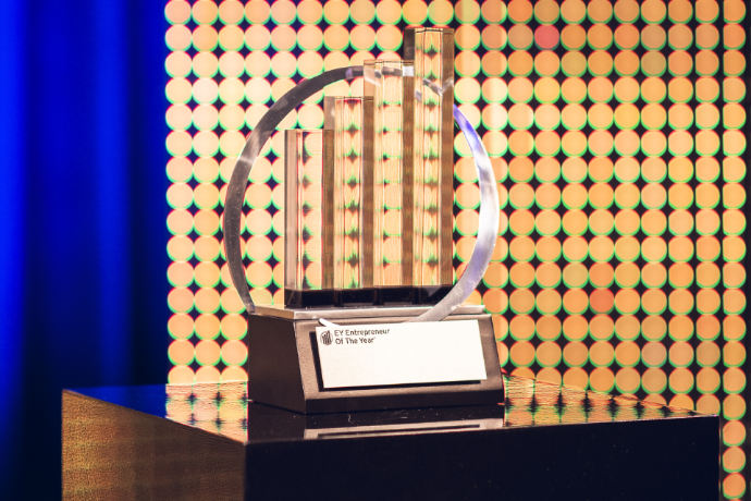 EY Entrepreneur Of The Year 2021: The finalists from German and  French-speaking Switzerland have been chosen