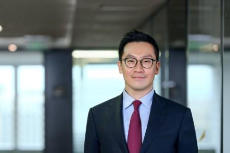 Photographic portrait of Denis Cheng