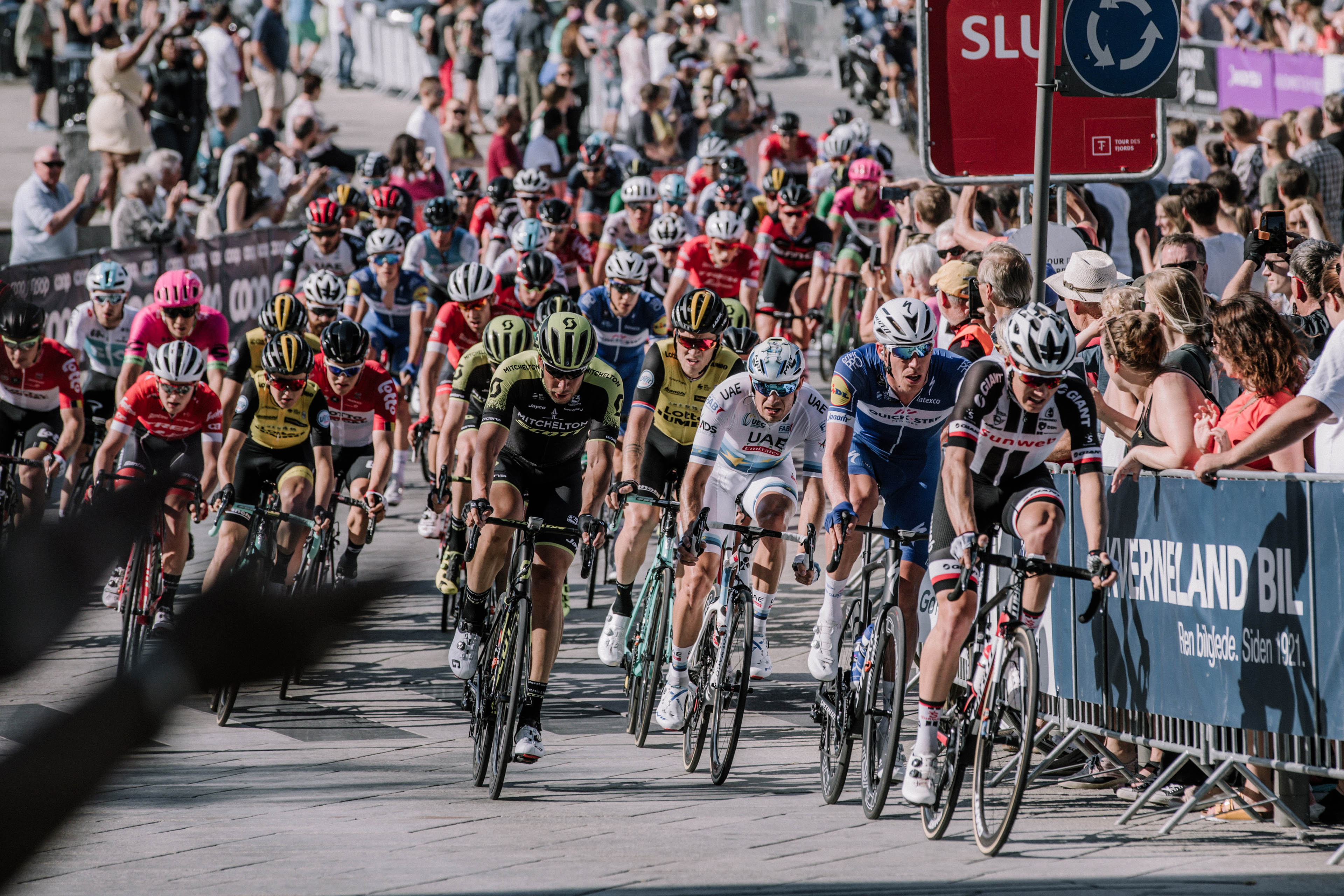 EY and Velon launch advanced cycling data-tracking system