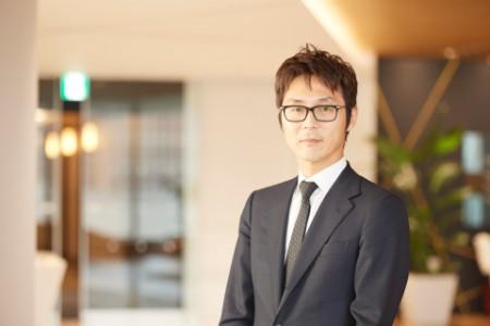 A photographic portrait of Ichiro Sugiyama