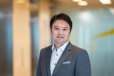 Photographic portrait of Kok Yong Lee