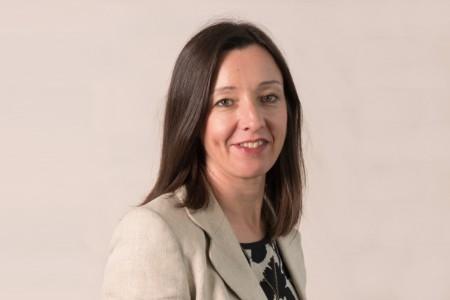 Photographic portrait of Lynne Sneddon