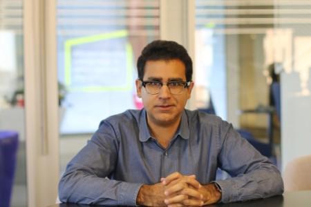 Photographic portrait of Raghav Mani