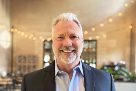 Photographic portrait of Scott Leete