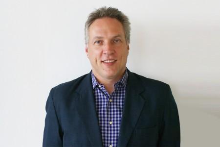 Photographic portrait of Simon Stanaway