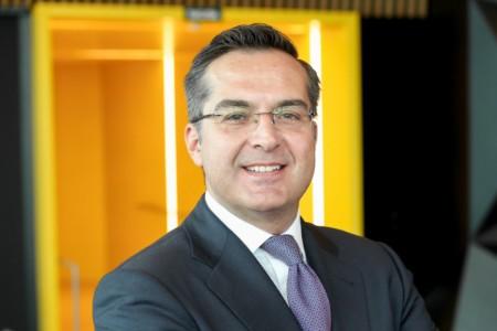 Photographic portrait of Víctor Pérez