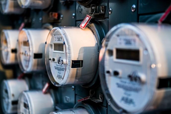 Criar uma rede elétrica mais inteligente e segura para novos contadores