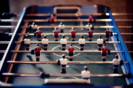 Изображения стола для игры в настольный футбол