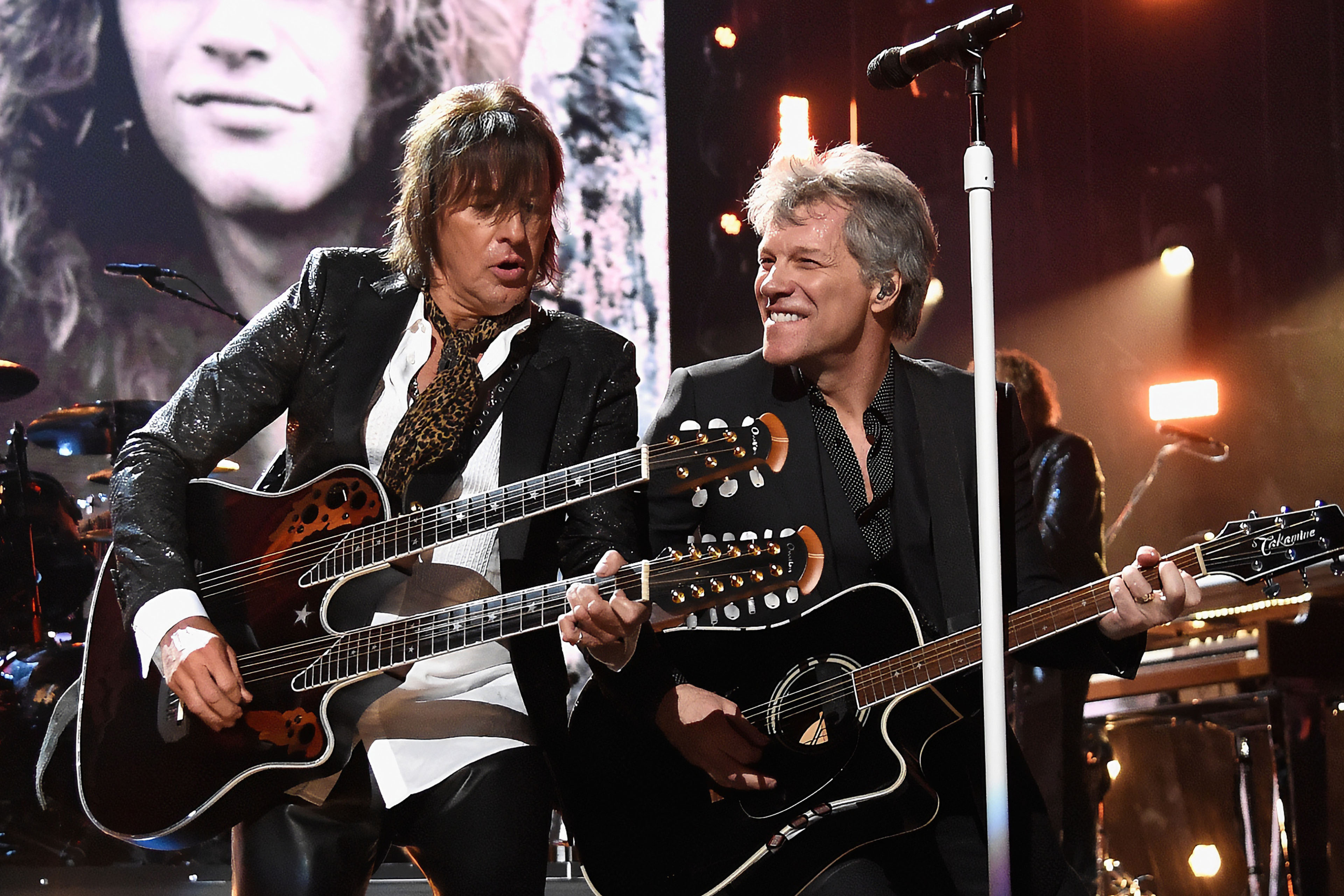 EY - Richie Sambora and Bon Jovi perform 33rd Annual Rock and Roll Hall of Fame induction ceremony