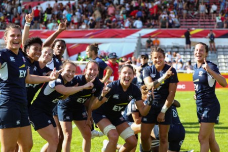 USA womens sevens team celebrate win over new zealand at stade aguile biarritz