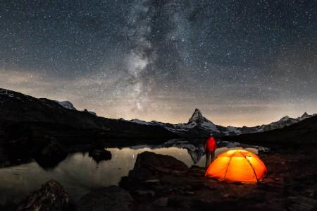 Camper milky way Matterhorn