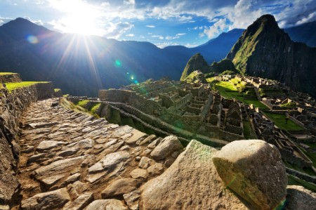 evening sunburst machu picchu peru