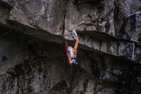 climbing-roof-route-squamish-canada