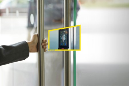 Reframe you future - door face scanner