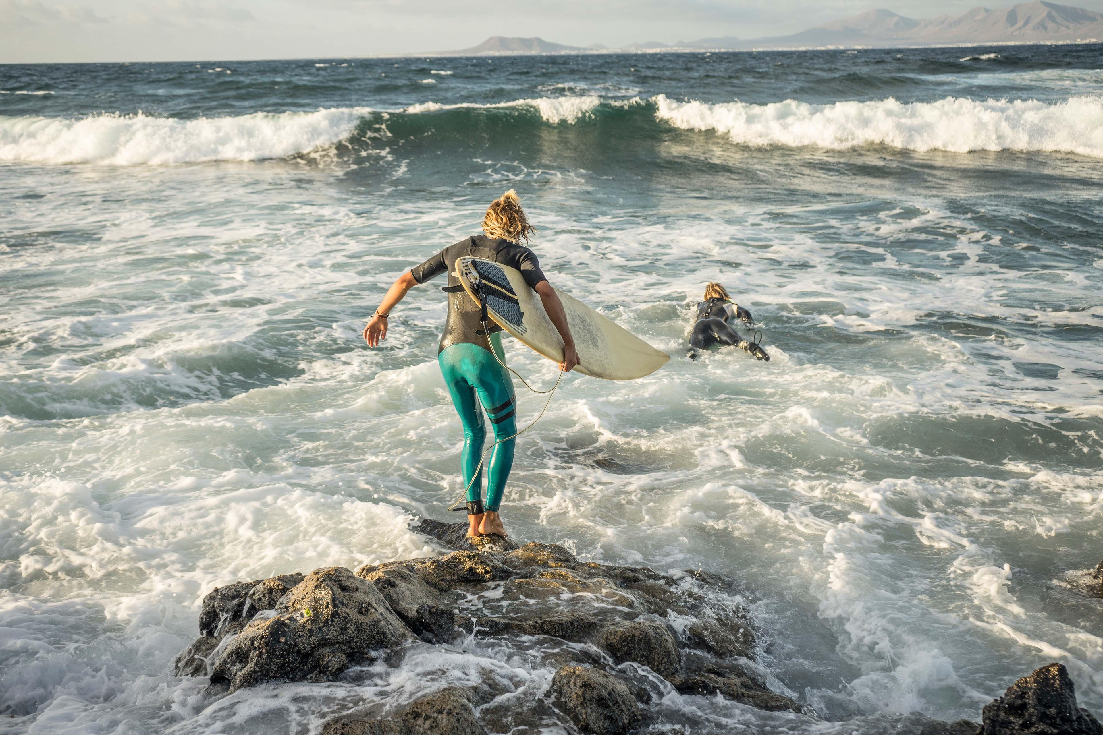 EY - Surfer