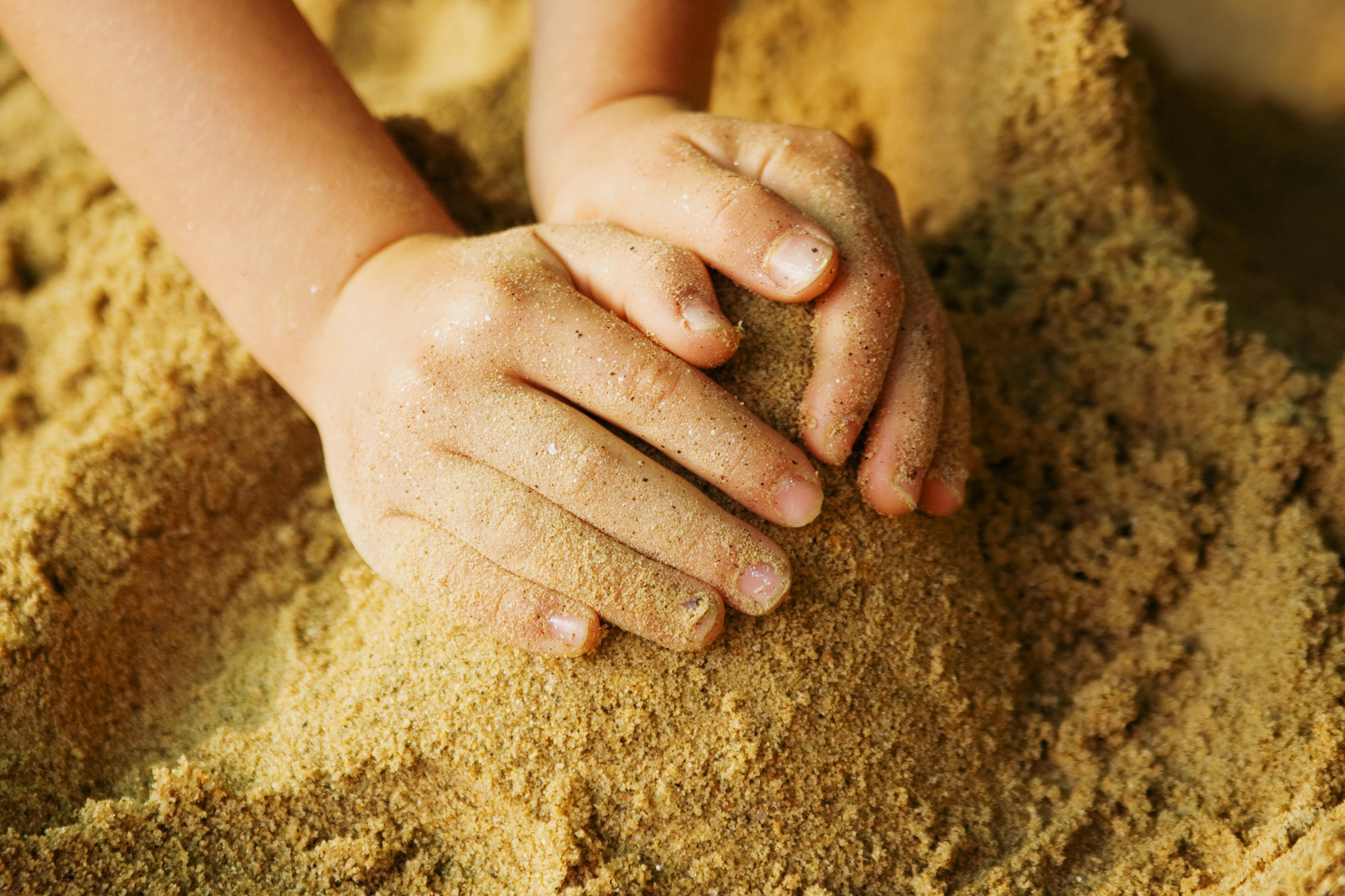 зачем людям песок в картинках анализ