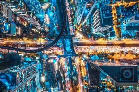 Tráfico por carretera en la ciudad de Tailandia