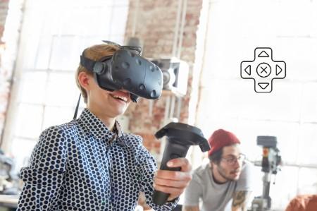 Kinder spielen virtuelle Videospiele