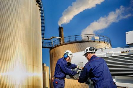 Engineers oil storage towers