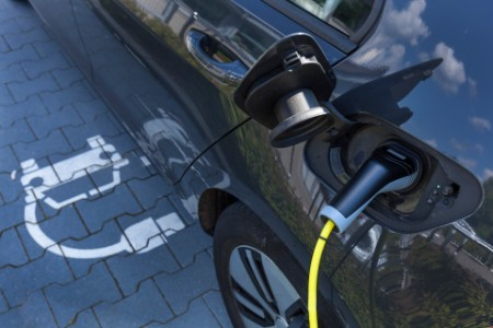 Charging of an electric car article