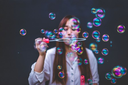 ey-lady-blowing-bubbles