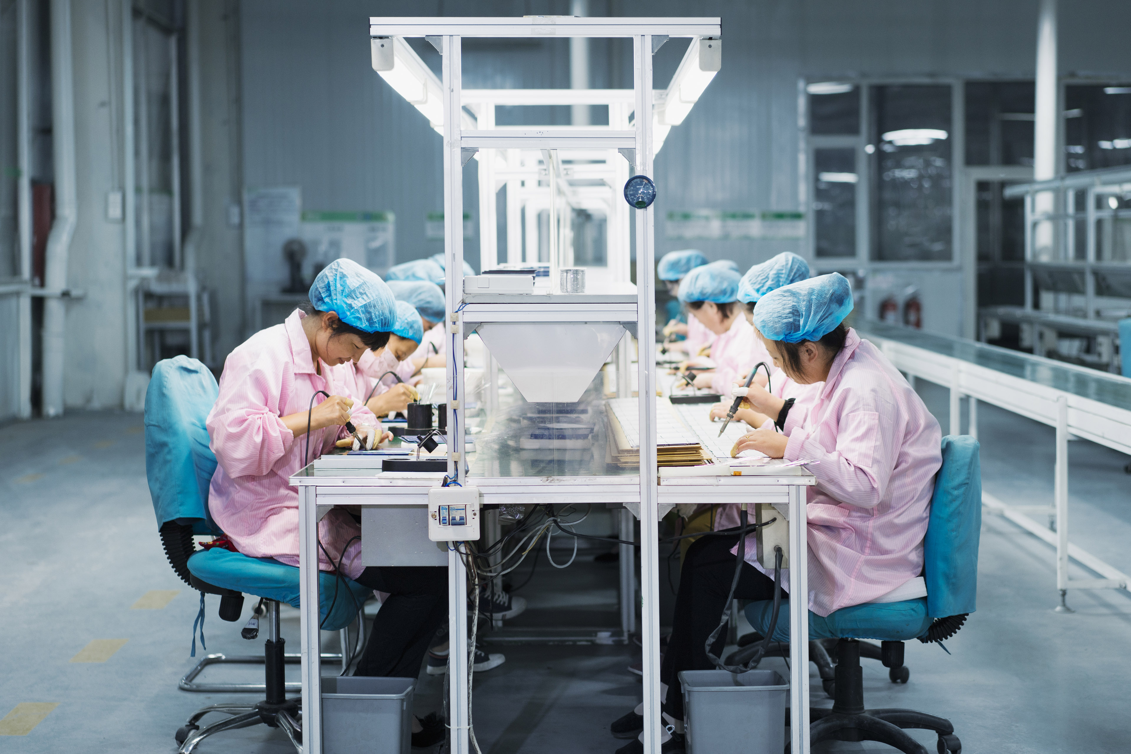 solar panel assembly factory