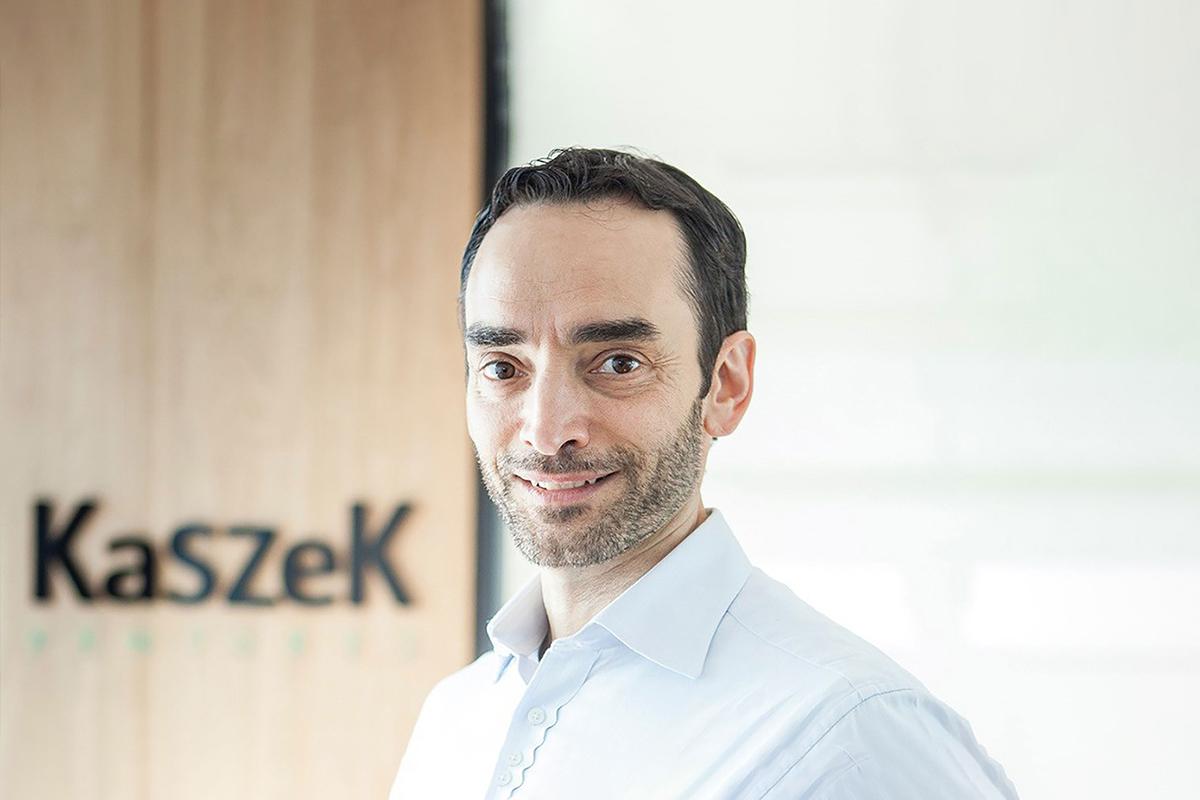 A photographic portrait of Hernan Kazah